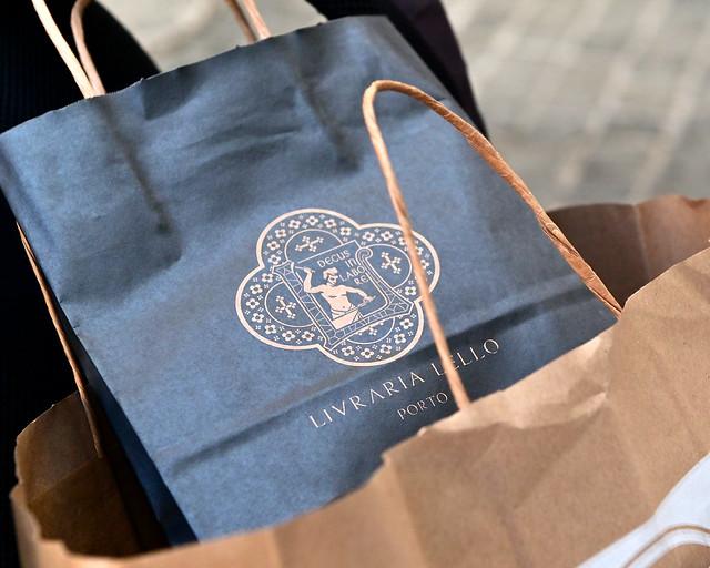 Bolsas de libros de la librería Lello de Oporto