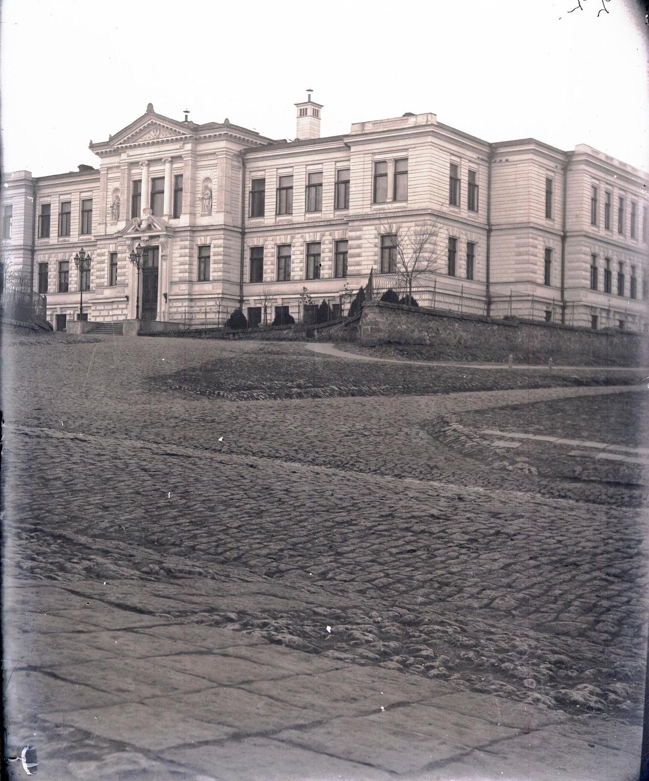 Херсон.  Здание Окружного суда