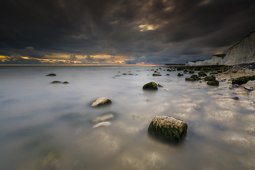 birlinggap sevensisters sunset beach coast nationaltrust sussex england uk rocks clouds canon 80d sigma 1020mm leefilters