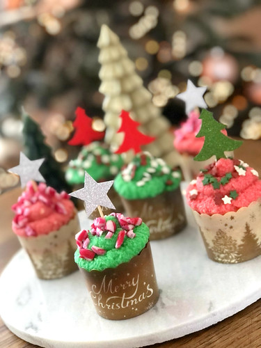 Christmas Peppermint Cupcakes | by DolceDanielle