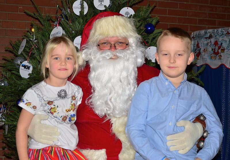Rahvajõulupuu 2019 Photos with Santa
