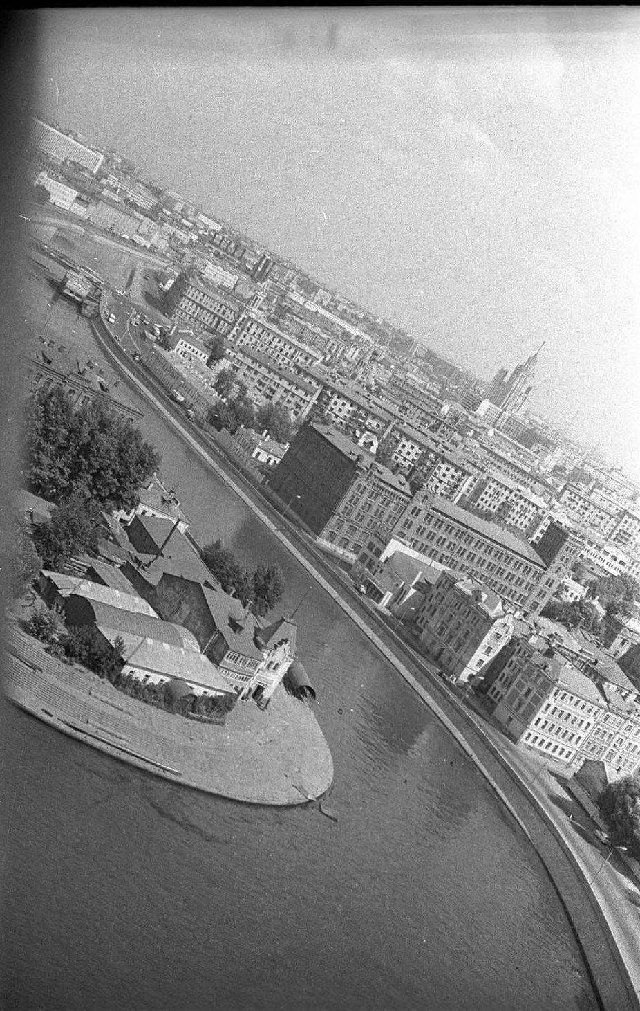 1960-е. Стрелка Москвы-реки и Водоотводного канала. Замоскворечье.
