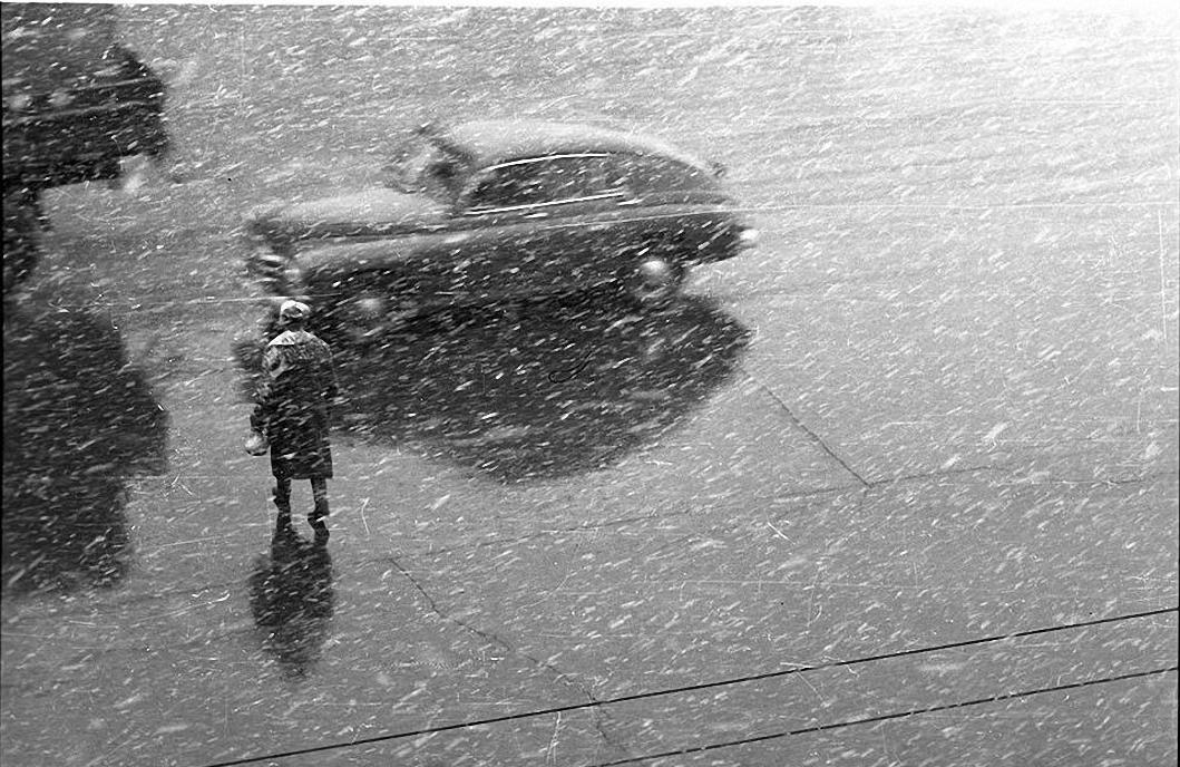 1960-е. Мокрый снег. Площадь Гагарина