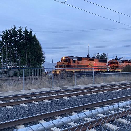 P&W 2314, et alii, pulling a freight north through SE Portland