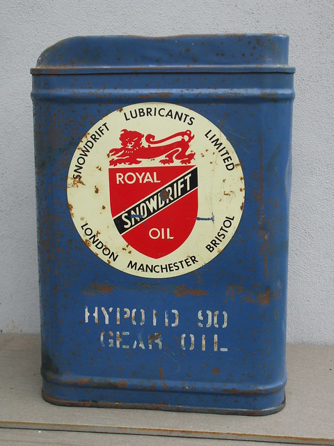 Large Vintage Royal Snowdrift Red White & Blue Advertising Hypoid 90 Gear Oil Can
