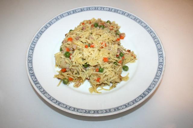 Creamy ham bacon pasta - Leftovers II / Cremige Schinken-Speck-Nudeln - Resteverbrauch II