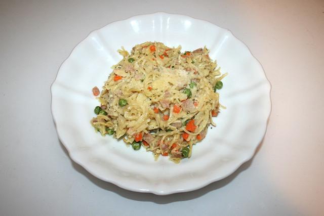 Creamy ham bacon pasta - Leftovers I / Cremige Schinken-Speck-Nudeln - Resteverbrauch I