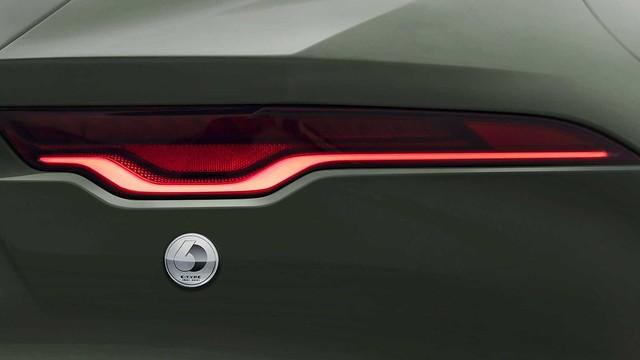 2021-jaguar-f-type-heritage-60-badge (1)