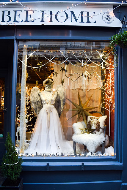 Queen Bee Home Christmas Window 2020