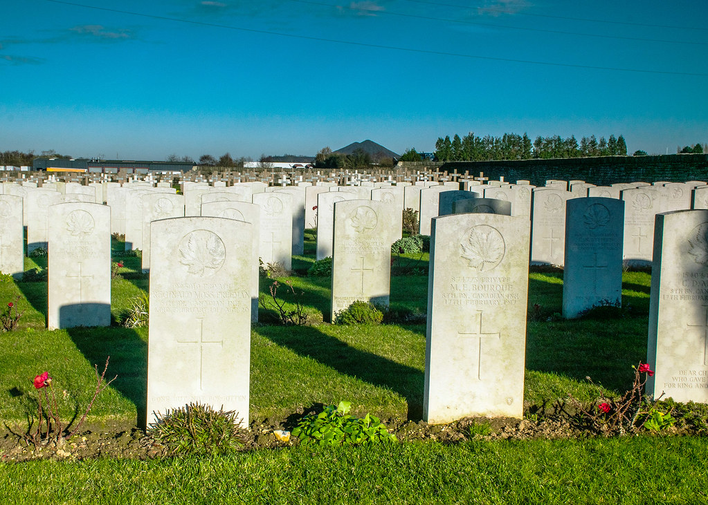 _DSC5729.  Tranchée de Mecknes Cemetery