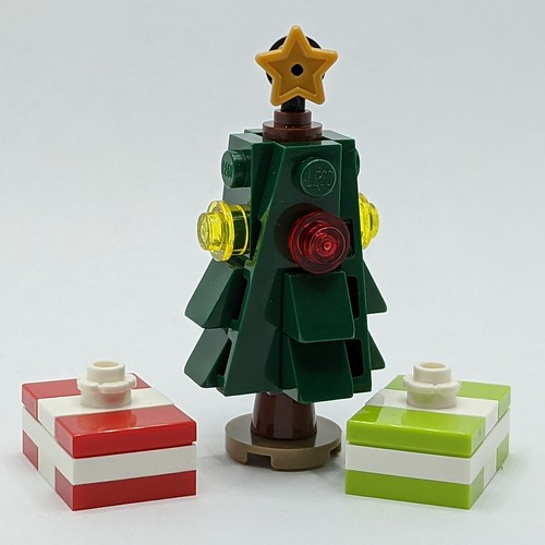 LEGO City Advent 2020 days 8-9