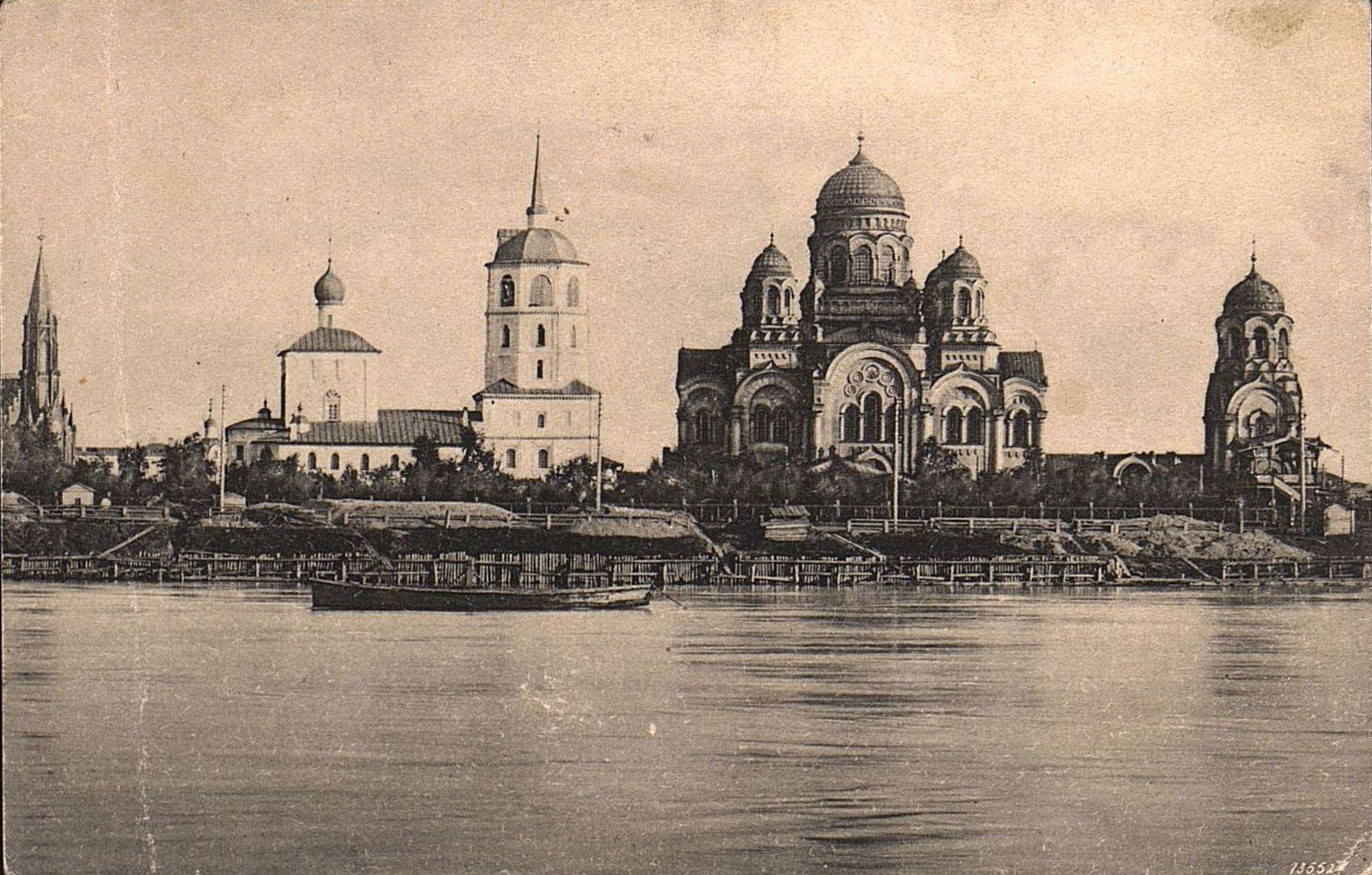Вид с реки Ангары на собор