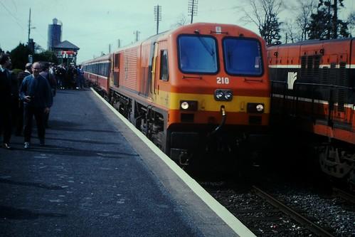iarnrodeireann generalmotors theirishtractiongroup itg athenry intercity 210 201class irishrail ir ireland