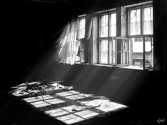 The open Windows (Explored)