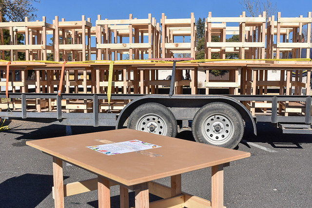 Albuquerque Woodworkers Association Gives Desks to Students in Need