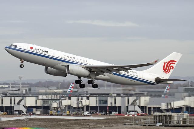B-6080  -  Airbus A330-243  -  Air China  -  LHR/EGLL 9/12/20