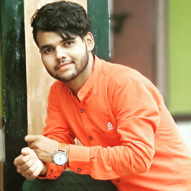 haseeb alam indian blogger