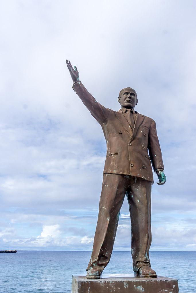 Monument to Putin
