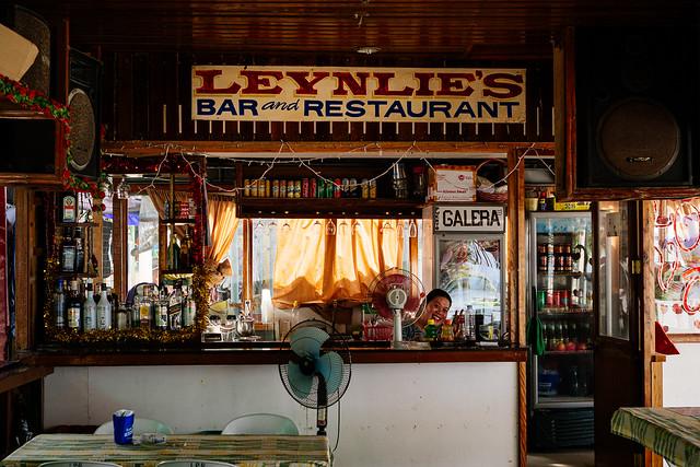 Leynlie's bar and restaurant with Leynlie, Puerto Galera (Mindoro, The Philippines)