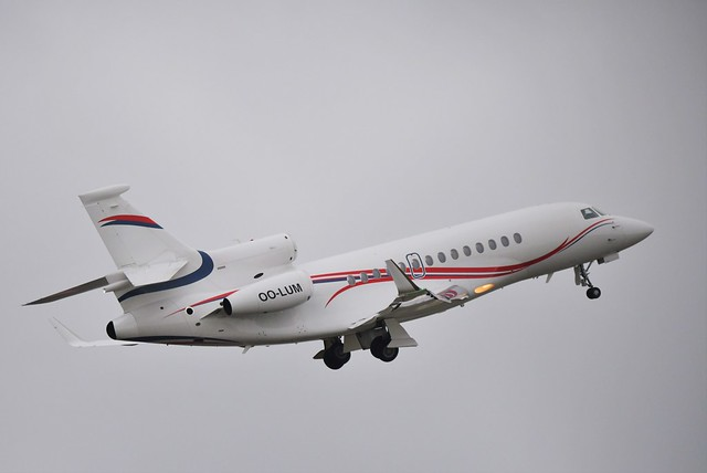 Belgian Air Force Falcon 7X OO-LUM 'BAF 90', getting away from Cardiff .