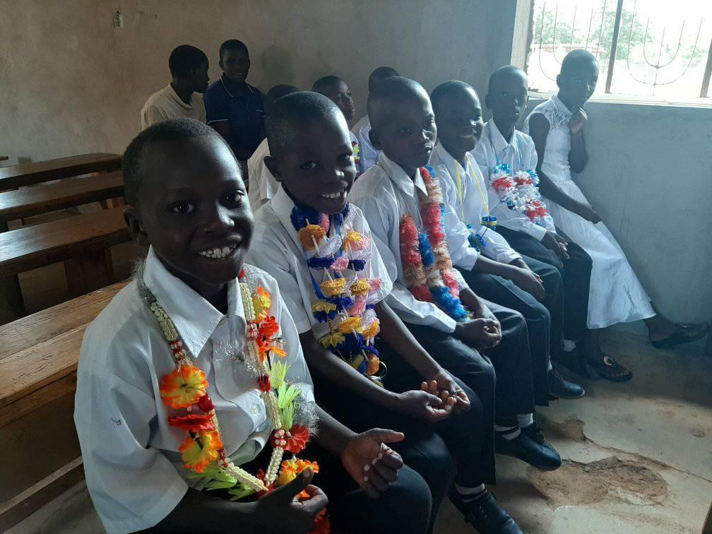 TANZANIA: Solemnidad de la Inmaculada Concepción y 104 primeras comuniones