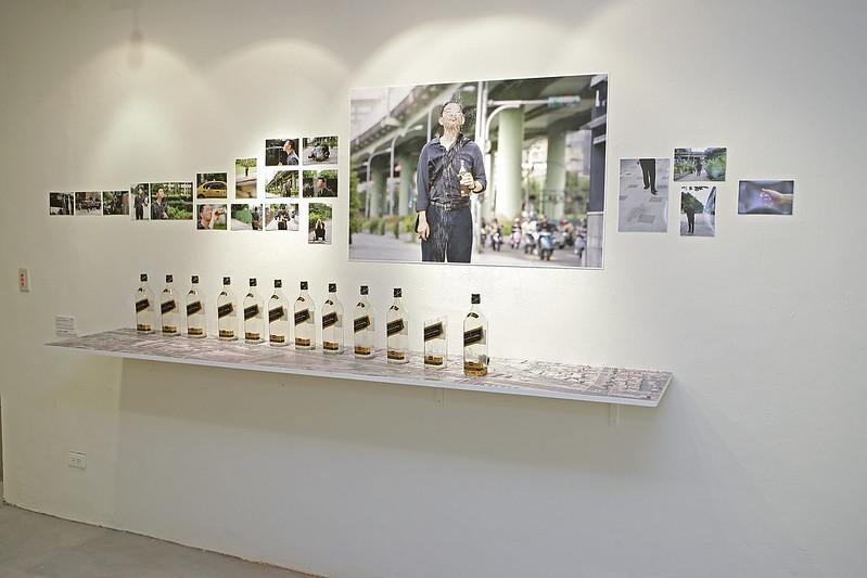 展場照 「活過測量」石晉華作品、草圖、文件展