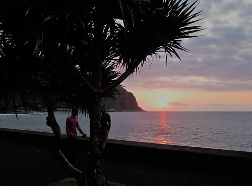 sunset coucherdesoleil saintdenis réunion iledelaréunion indianocean océanindien island ile france outremer