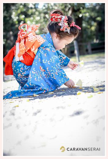 3歳の女の子の七五三 ブルーの着物にオレンジの帯