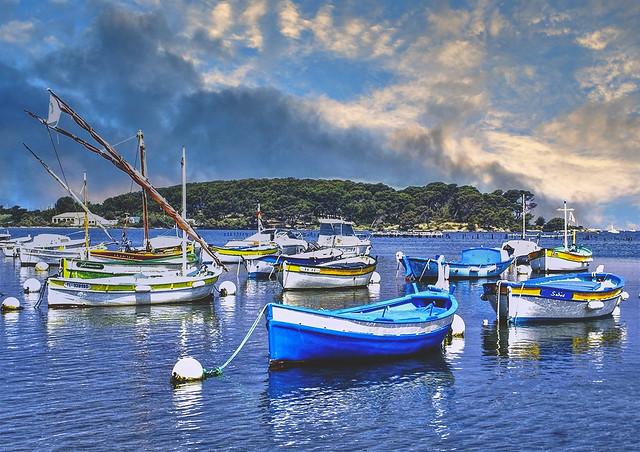 Barques au Brusc-Dept du Var-Région PACA