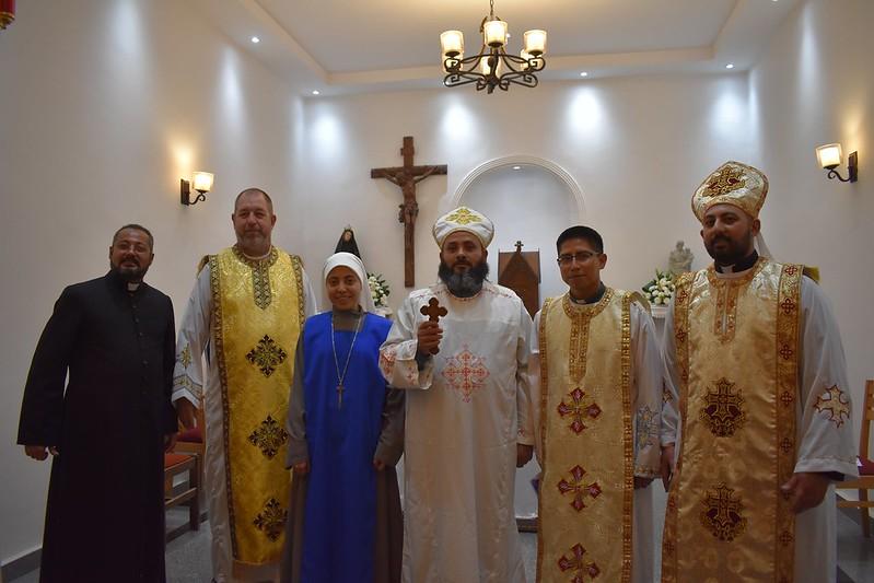EGIPTO: Toma de hábito en Misa Copta.