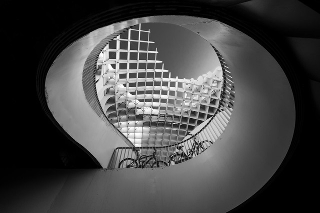 Monochrome Architecture... (Curved Lines)