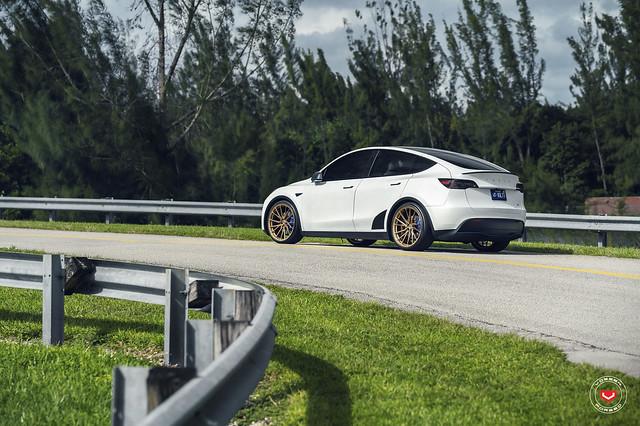 Tesla Model Y - M-X Series - M-X4T - © Vossen Wheels 2020 - 905