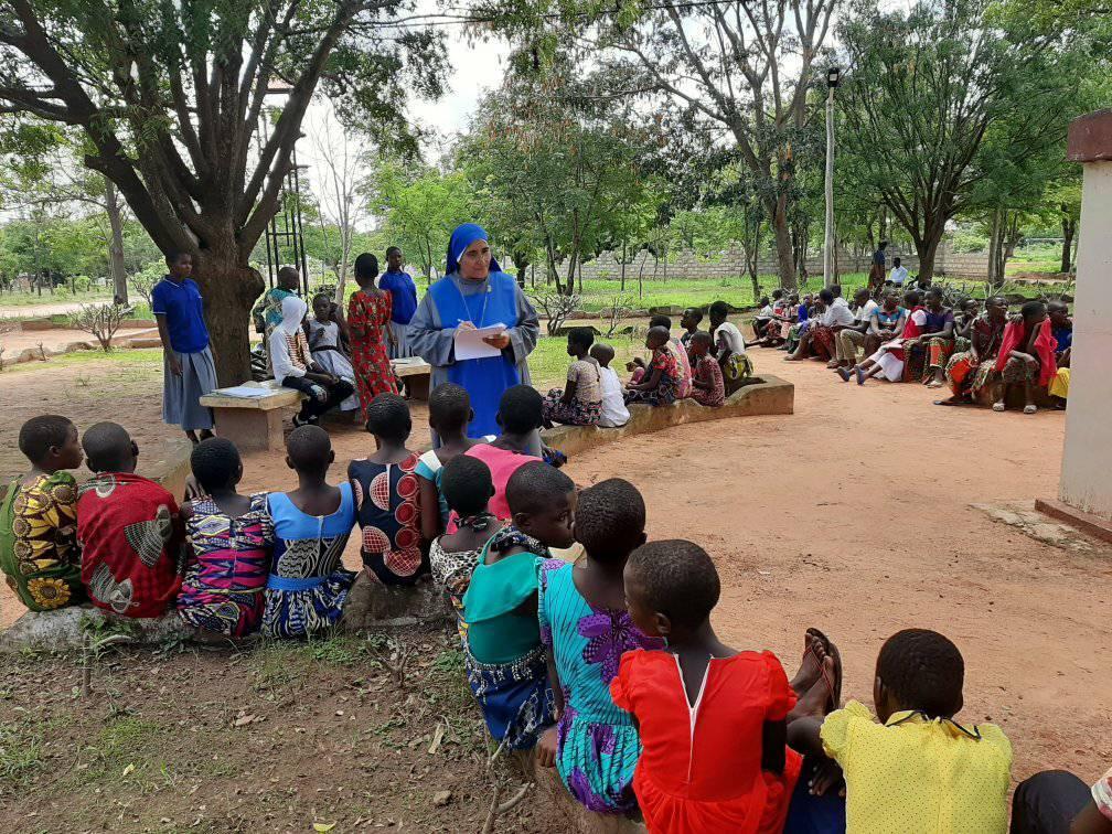 TANZANIA: Exámenes y primeras confesiones.