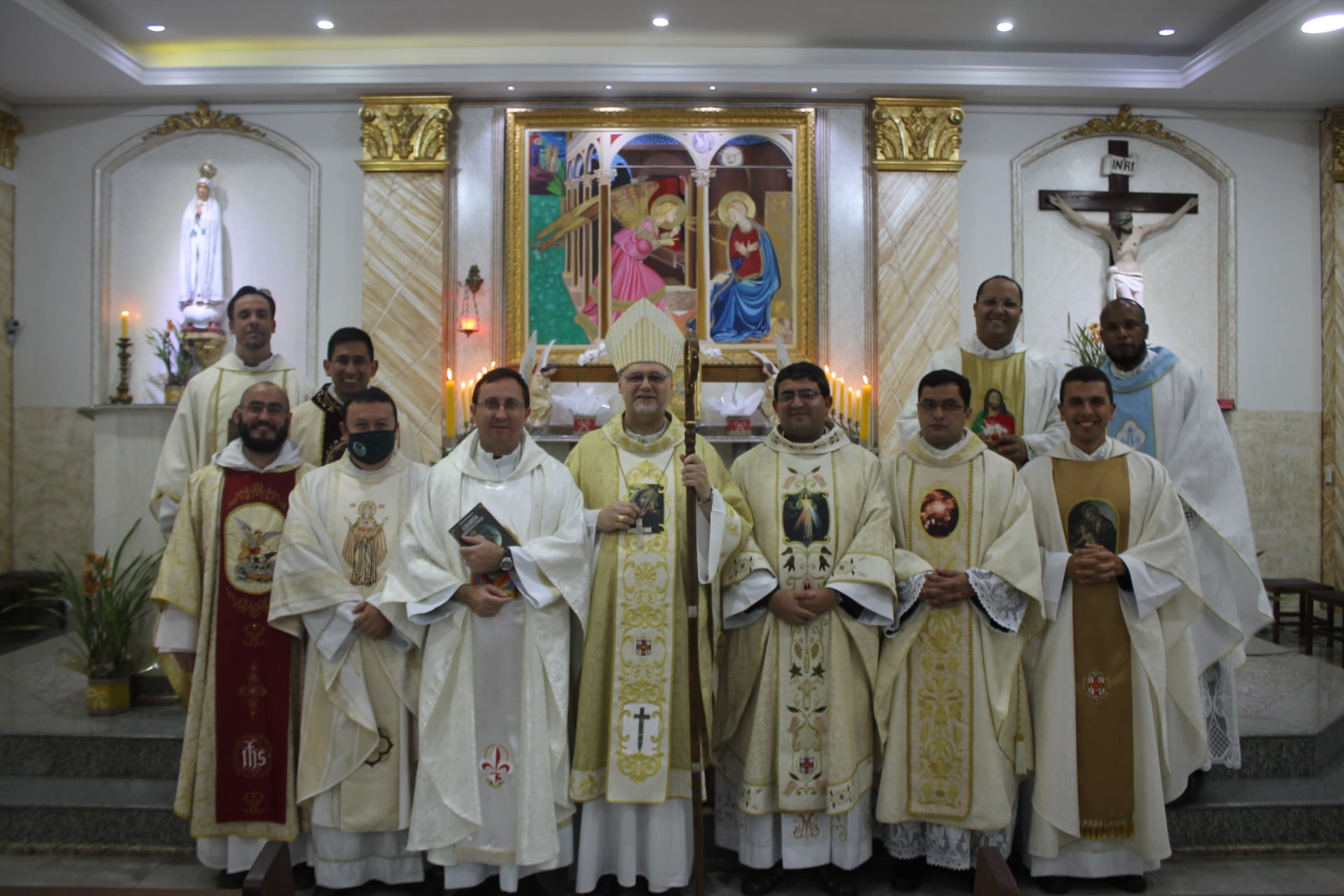 BRASIL: Conclusión de los festejos de los 25 años de fundación del IVE en Brasil (en la Parroquia del Verbo Encarnado)
