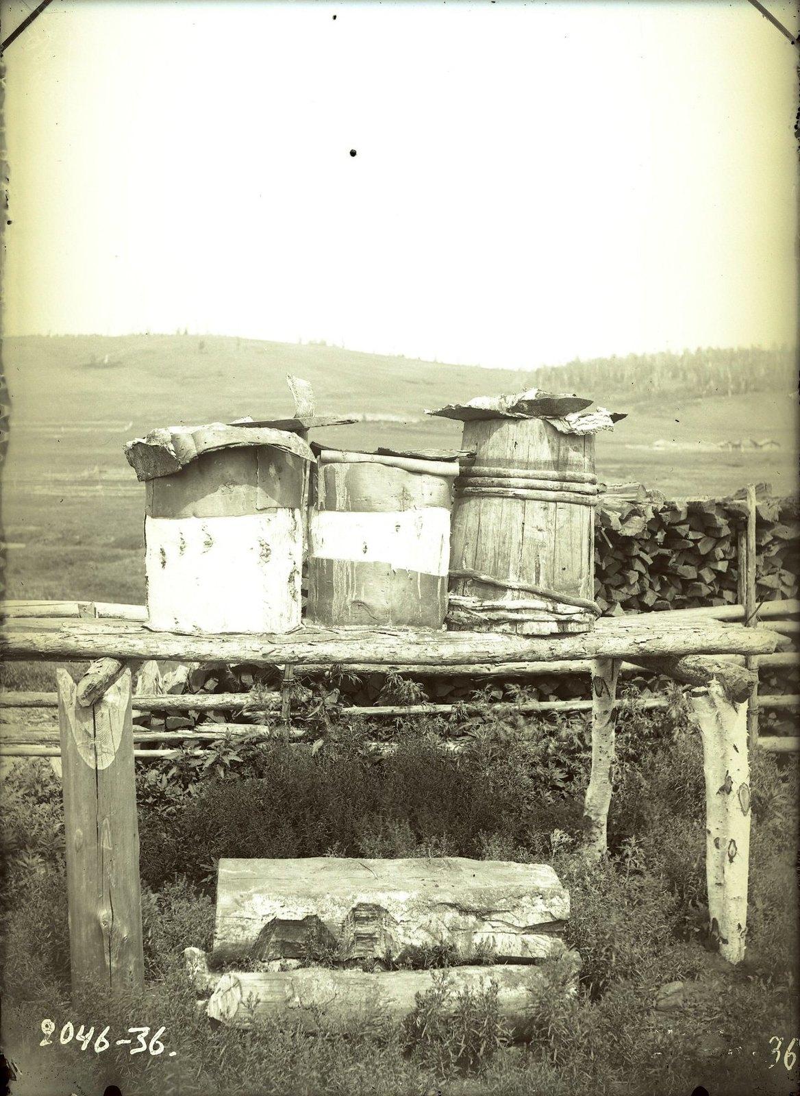 Кадки (торхоны) для арцы (водки из кобыльего молока)