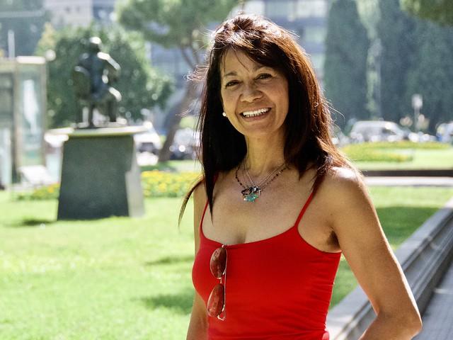 Rebeca, de Cuba, viu a Barcelona. Captura a Av. Pau Casals, Barcelona.