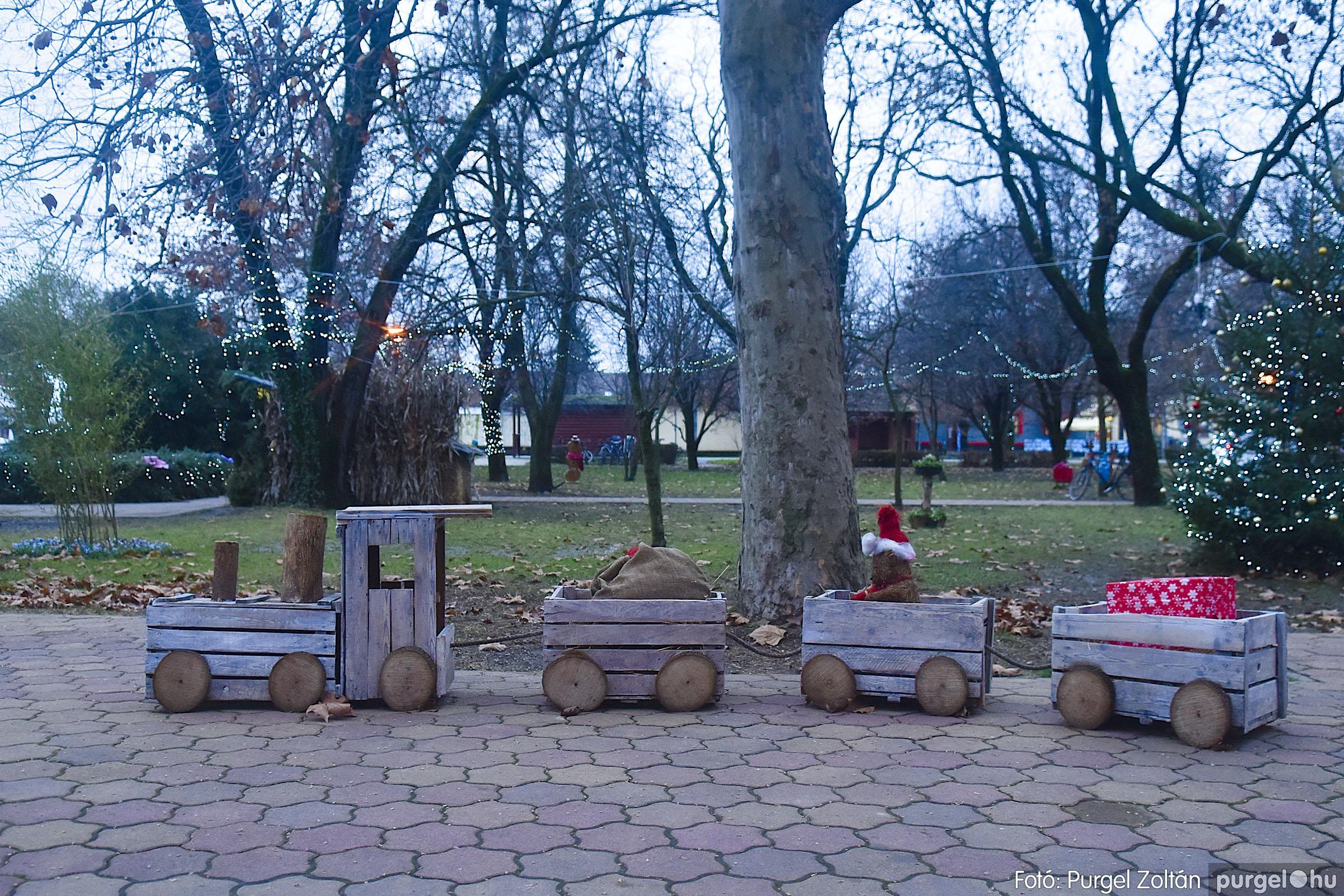 011 2020.12.10. Fények a Szabadság téren - Fotó: Purgel Zoltán© _DSC3551q.jpg