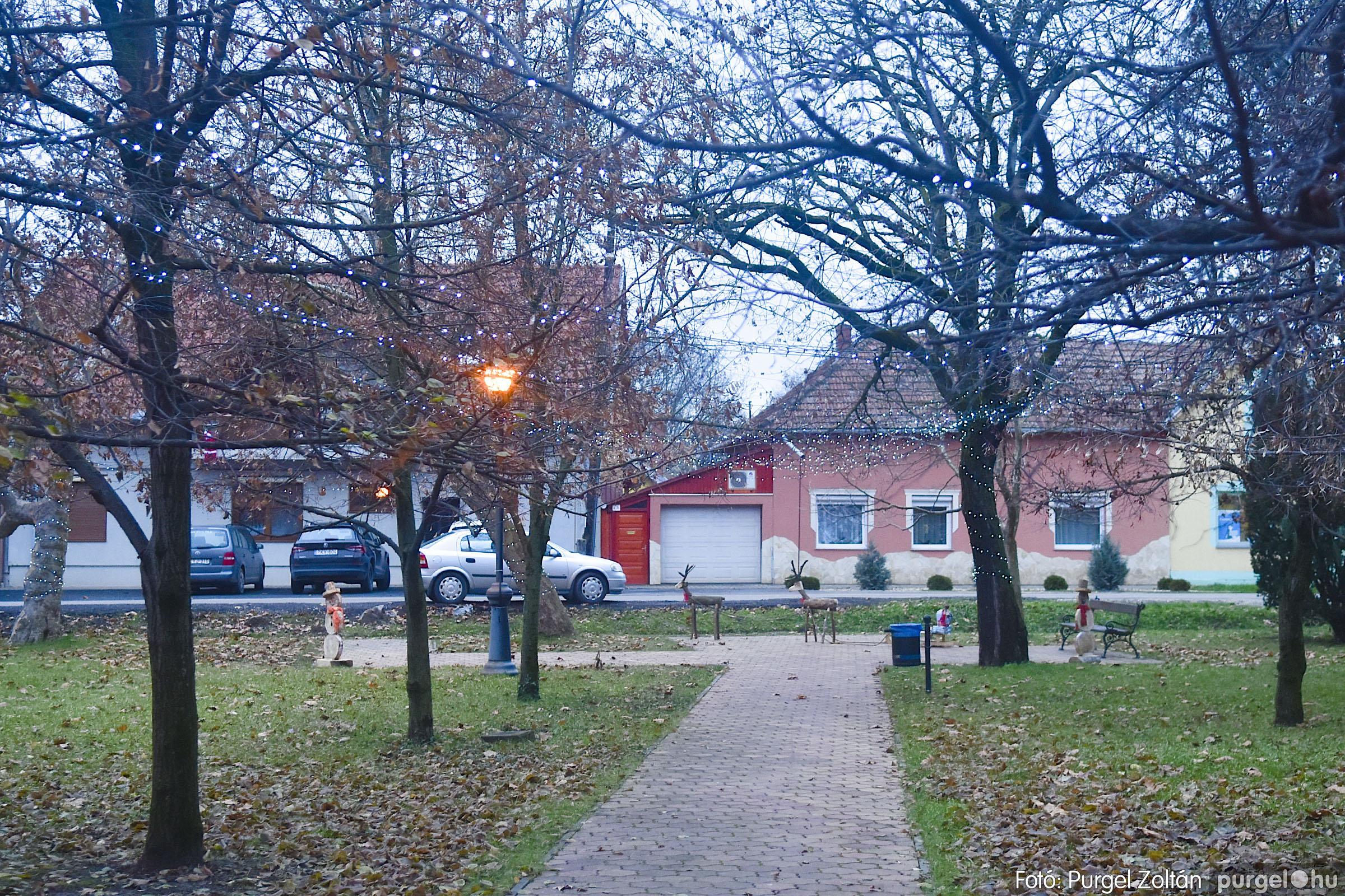 009 2020.12.10. Fények a Szabadság téren - Fotó: Purgel Zoltán© _DSC3548q.jpg