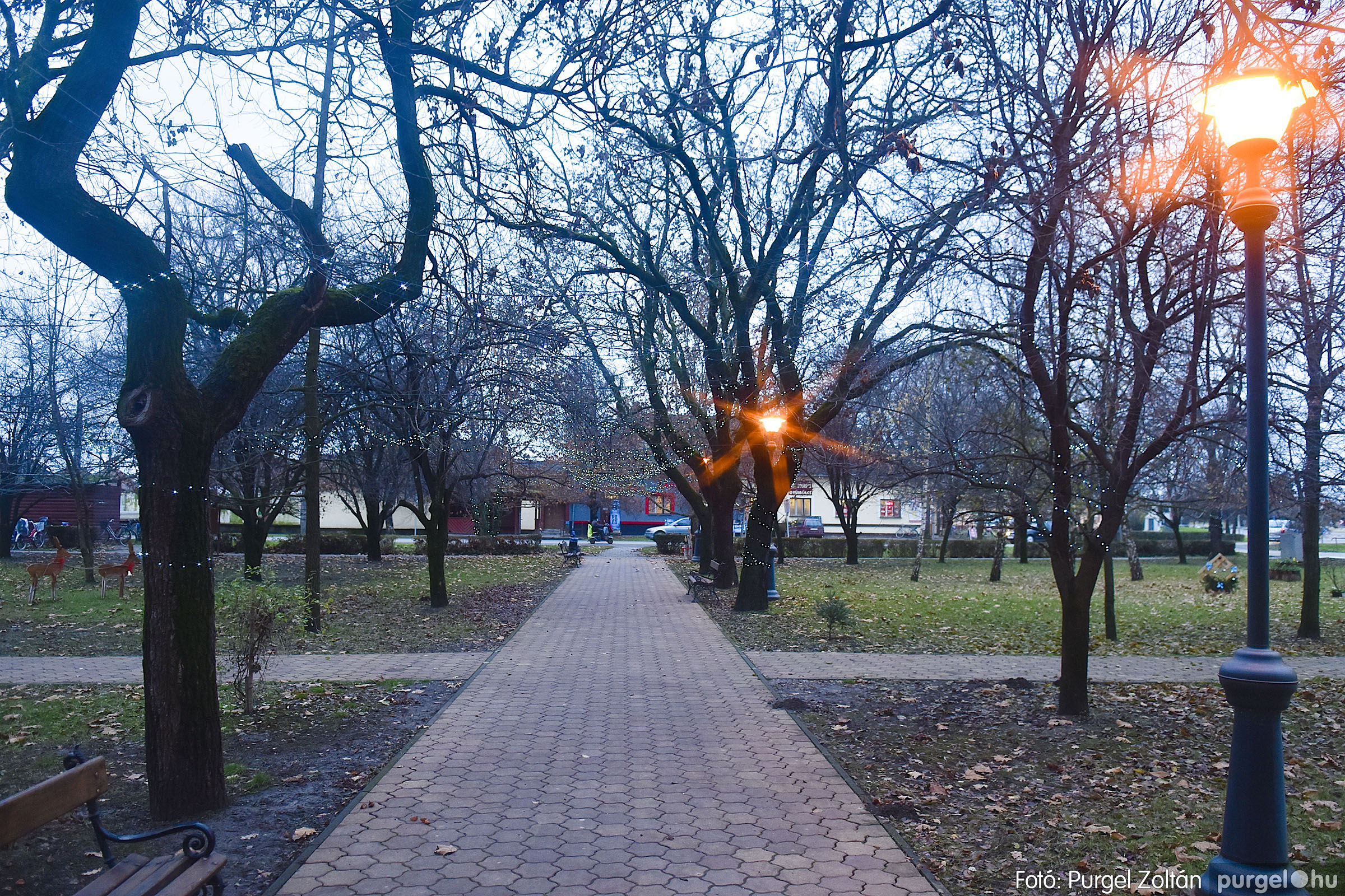 006 2020.12.10. Fények a Szabadság téren - Fotó: Purgel Zoltán© _DSC3544q.jpg