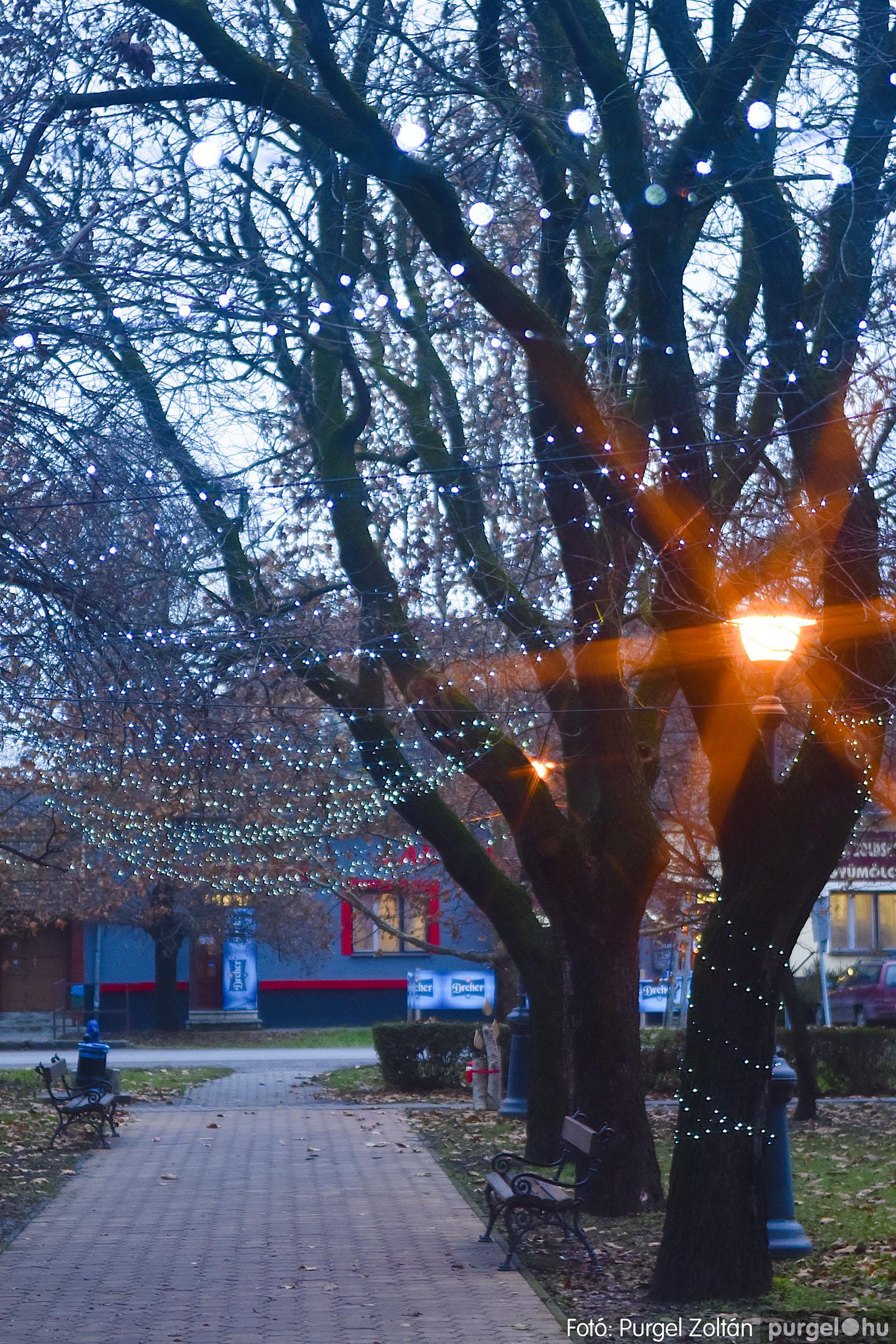 008 2020.12.10. Fények a Szabadság téren - Fotó: Purgel Zoltán© _DSC3547q.jpg