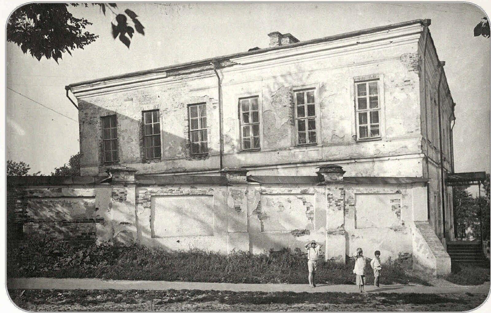 02. Здание мужской гимназии