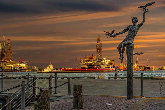 Pier 21 Statue