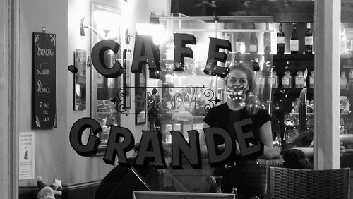 Evening at Cafe Grande 02