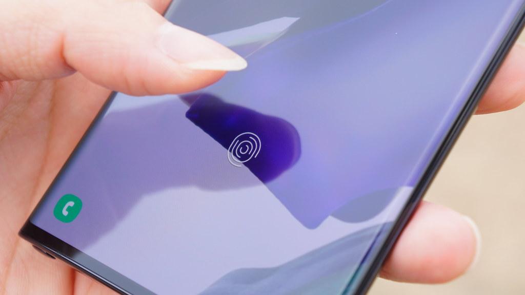 iPhone 13、一部モデルでLightning廃止か。ワイヤレス充電のみ可能に?