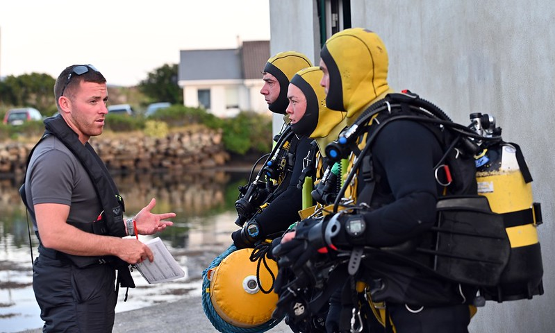 A briefing before a dive