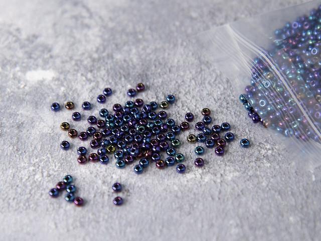 Czech Glass Knitting Beads size 6 (4mm) – Blue Iris