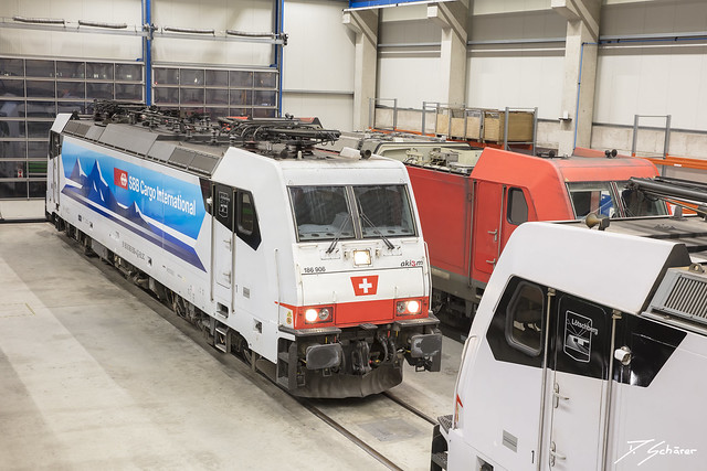 186 906 + 908 / Duisburg