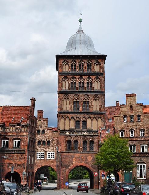 Marstall, Burgtor et Zöllnerhaus, Große Bürgstraße,  Lübeck, Schleswig-Holstein, Allemagne.