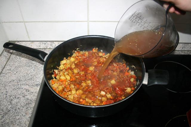 32 - Deglaze with vegetable broth / Mit Gemüsebrühe ablöschen