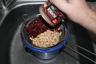 13 - Put beans in sieve / Bohnen in Sieb geben